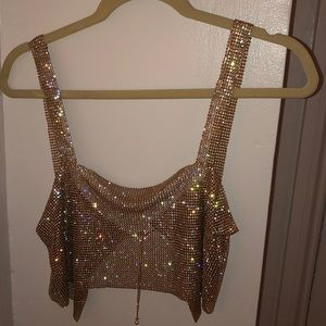 Gold chain top, one size, adjustable clasp in back